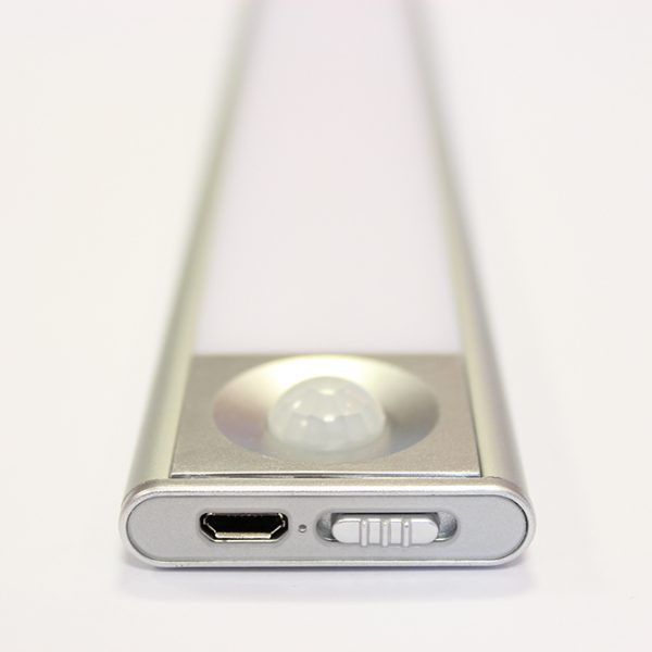 SLIM RECHARGEABLE LITHIUM BATTERY LED LIGHT C01-2045 2 670x670