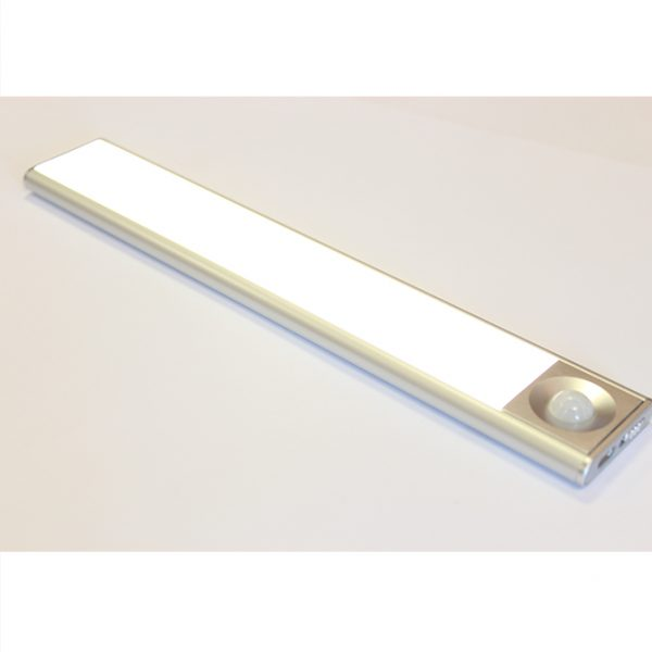 SLIM RECHARGEABLE BATTERY BAR LIGHT C01-2045 4 670x670