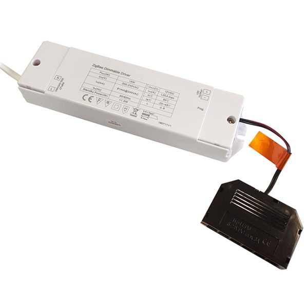 SMART DRIVER 12V LED SMART DRIVER 15W WITH 6-PORT MICRO PLUG CONNECTOR K10-1220Z 670x670