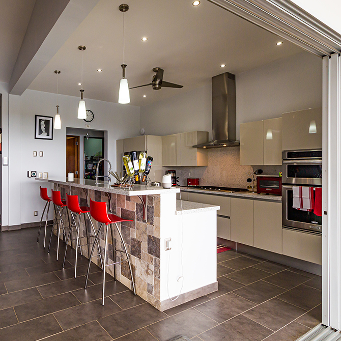 Guide to avoiding lighting mistakes - limited kitchen lighting and different colour temperatures 670x670