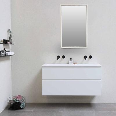 mirror 3 670x670